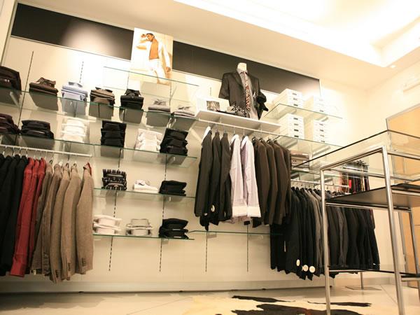 Arredamento negozi abbigliamento online di