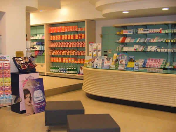 Arredi farmacie arredamenti parafarmacie arredamento for Giornali di arredamento