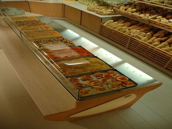 Arredamenti panetteria scaffalature negozi for Arredamento panetteria
